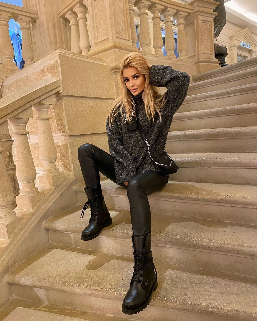 Angelina-Burova-Wallpapers-Insta-Fit-Bio-1