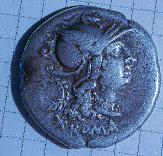Denario de la gens Servilia.C. SERVEILI. M. F. Los Dióscuros a caballo. Roma. 2-1