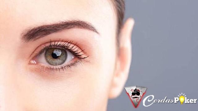 Hati-hati, Menggosok Mata dapat Menyebabkan Masalah
