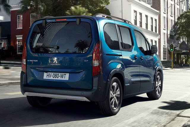 2018 - [Peugeot/Citroën/Opel] Rifter/Berlingo/Combo [K9] - Page 10 34-C67135-9-FE2-4108-B795-EDE034352-BC7