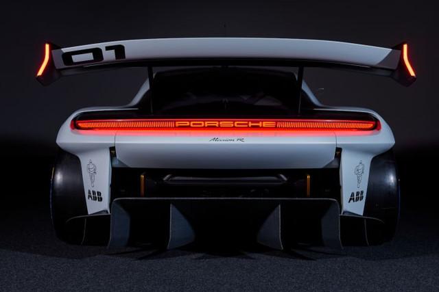 2021 - [Porsche] Mission R 6-EBA565-A-768-A-41-FD-A1-C3-2730-BA9-E8399