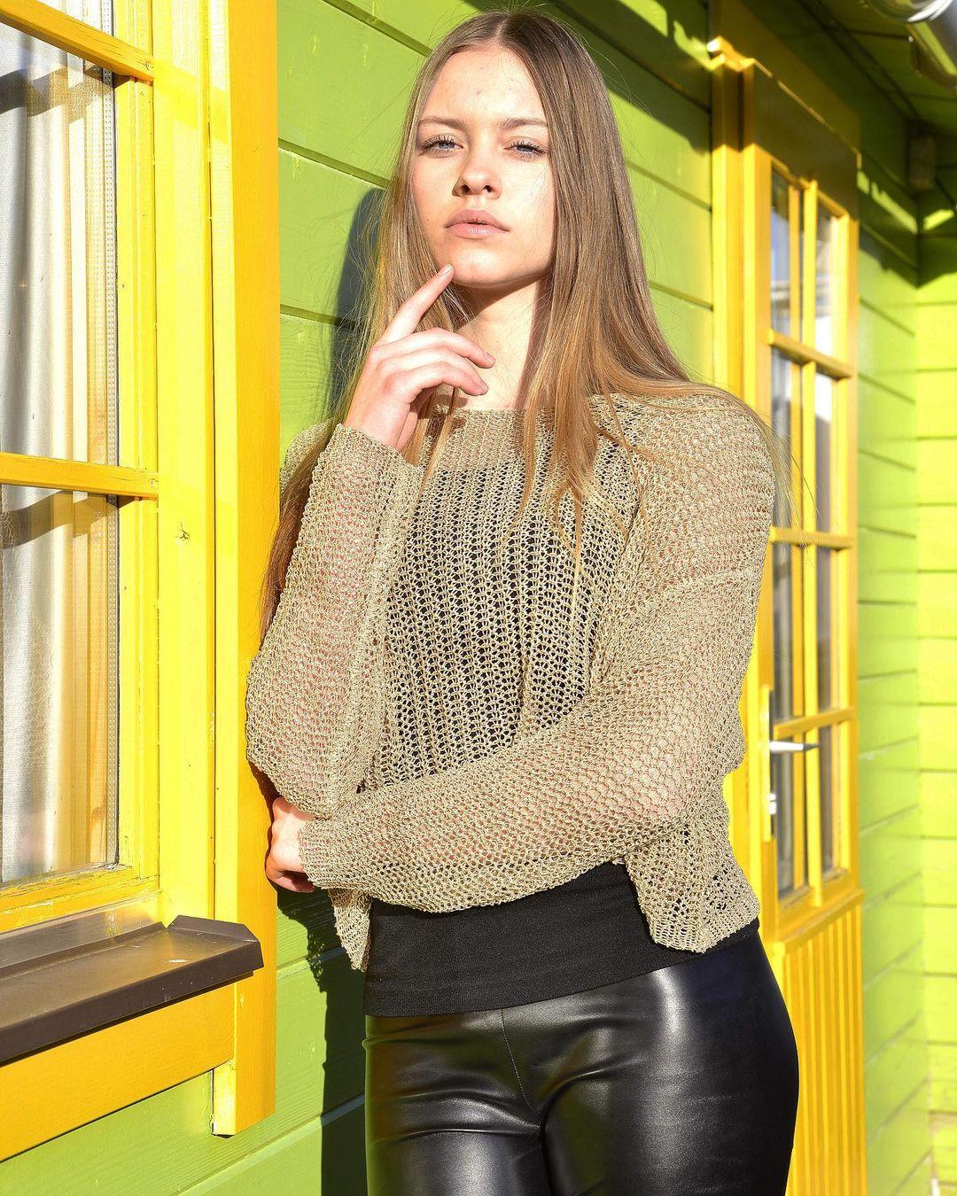 Klaudia-Nicole-Pietras-Wallpapers-Insta-Fit-Bio-7