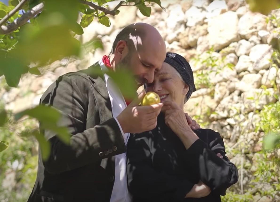 Helen Mirren parla della collaborazione con Checco Zalone