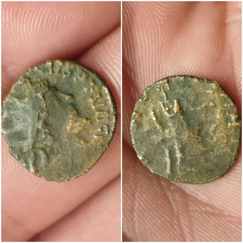Antoniniano de Tétrico I, cuño bárbaro. 20200104-220822