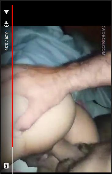 Se abre las nalgas para que le entre [Video Online]