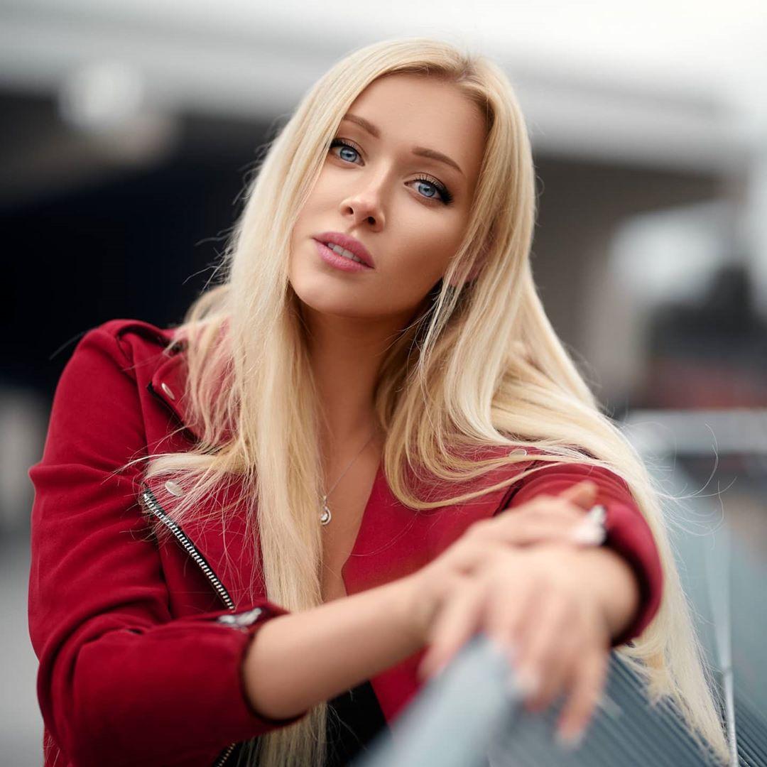 Nicole-Deliah-Wallpapers-Insta-Fit-Bio-4
