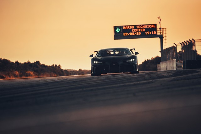 Bugatti Chiron Pur Sport - la production devrait bientôt commencer  11-bugatti-nardo-pur-sport