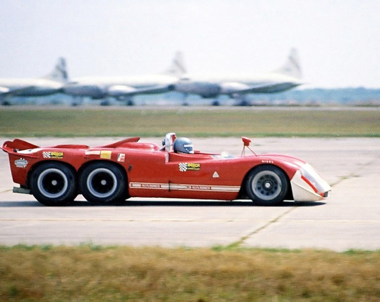 Alfa-Romeo-6-wheel-Project-Sebring-70.jp