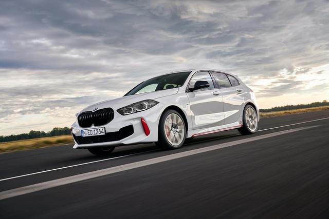 2018 - [BMW] Série 1 III [F40-F41] - Page 31 724-D68-C1-7-DCB-45-E2-B5-CF-5805-EBB6-CC00