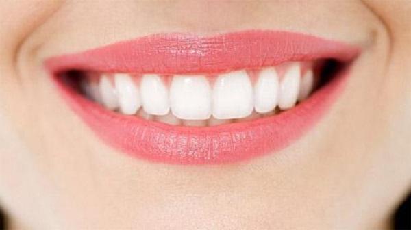 Cách tẩy trắng răng bằng dầu dừa tại nhà 263