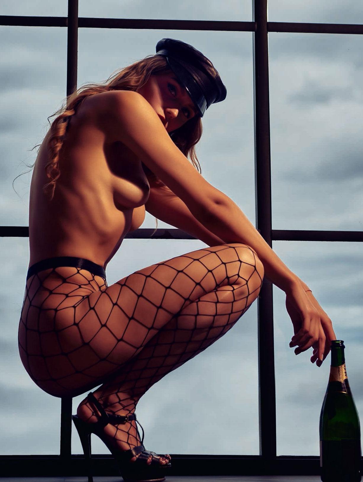 голая Адель Вакула - Девушка года Playboy Украина / фото 04