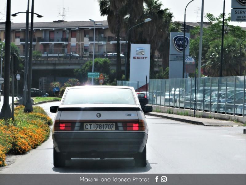 avvistamenti auto storiche - Pagina 27 Alfa-Romeo-75-1-6-110cv-87-CT781707-2