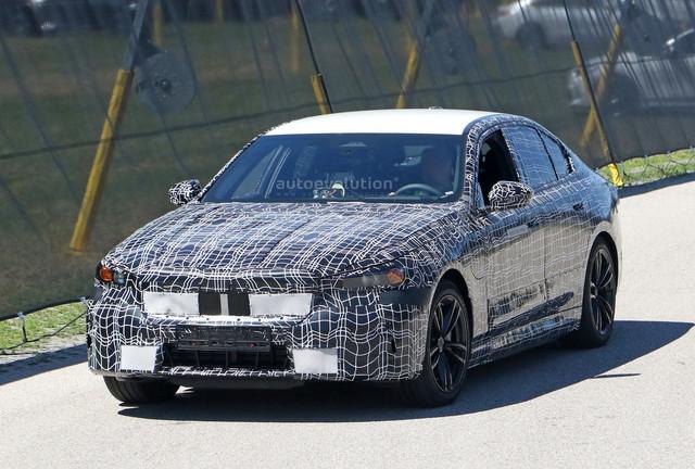 2023 - [BMW] Série 5 / M5 [G60 / G61] - Page 2 73-C1541-A-5-B4-D-4-F2-E-B93-D-E2-CD303-DFEE6