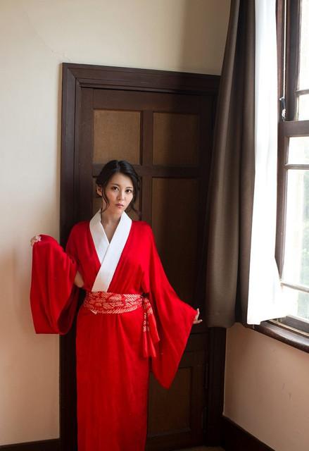 china-matsuoka-kimono-nude-asian-boobs-01-800x1165