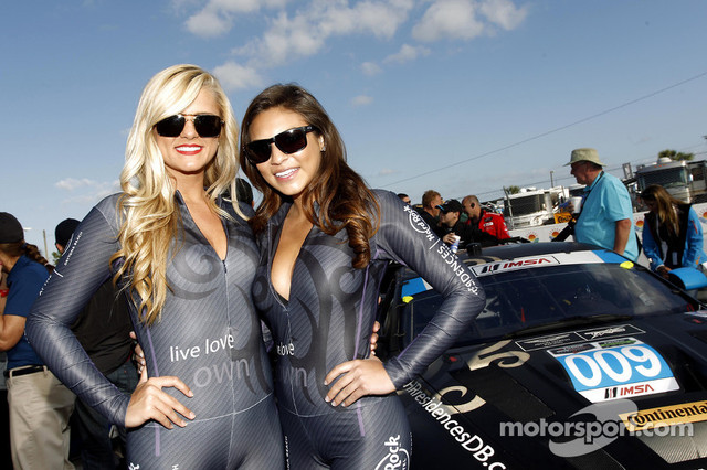 TRG-Girls15-03-2014-12-Hours-of-Sebring-Friday-Sebring-USA-www-xpbimages-com-EMail-requests-xpbimage