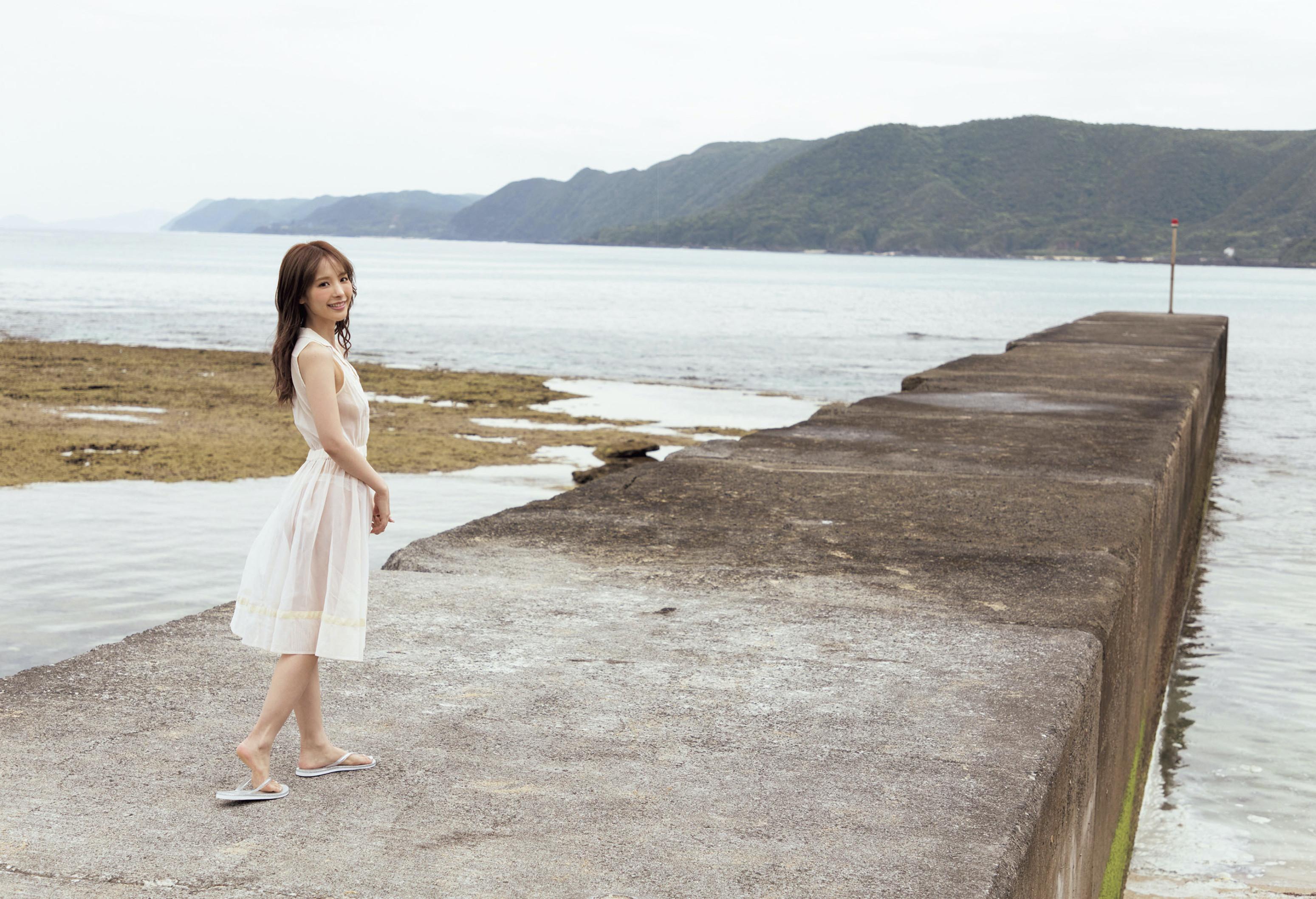 「夢中」桃乃木かな写真集002