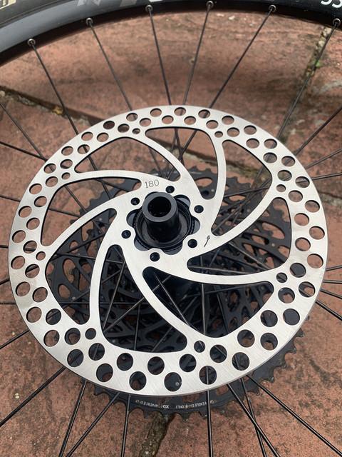 discobrakes-cenertlock-adapter-installation-fit-rotor-step-2.jpg