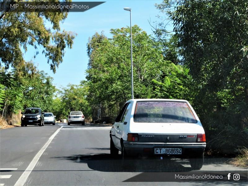 Veicoli commerciali e mezzi pesanti d'epoca o rari circolanti - Pagina 7 Peugeot-205-Service-D-1-8-60cv-89-CT868694-3