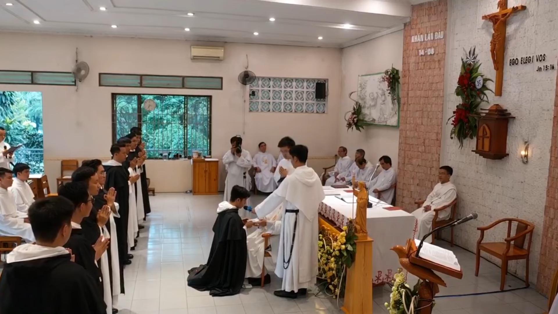 Videos: Nghi thức Trao áo dòng và Tiên Khấn Dòng Đa Minh, 14.8.2021