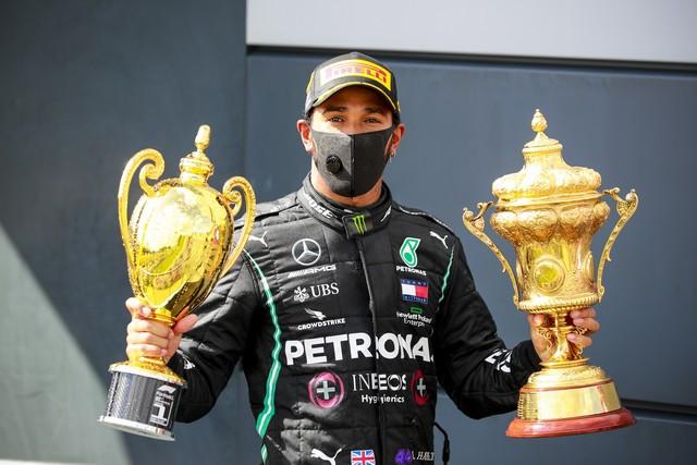 F1 GP de Grande-Bretagne 2020 : Victoire de lewis Hamilton sur trois roues M237305