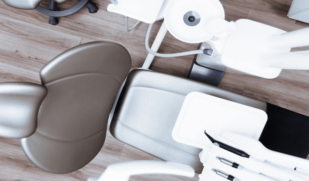 What The In-Crowd Will not Tell You About Dental Care