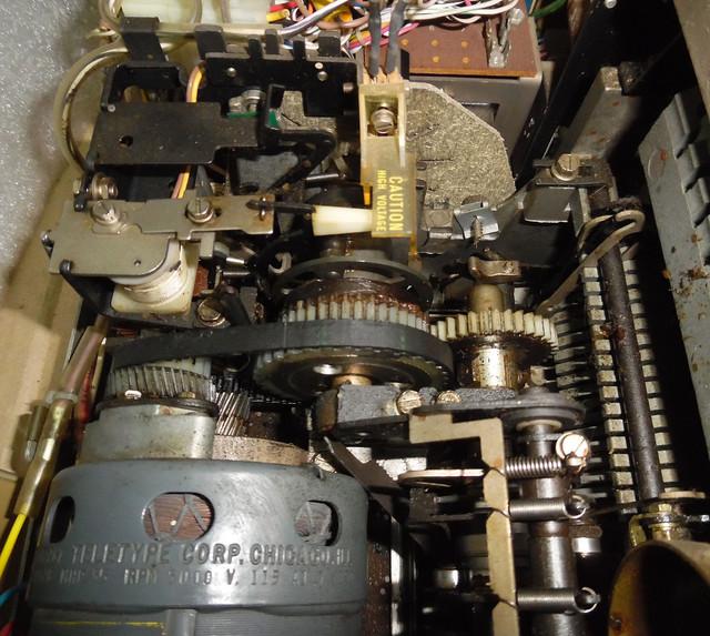 teletype-asr-33-25.jpg