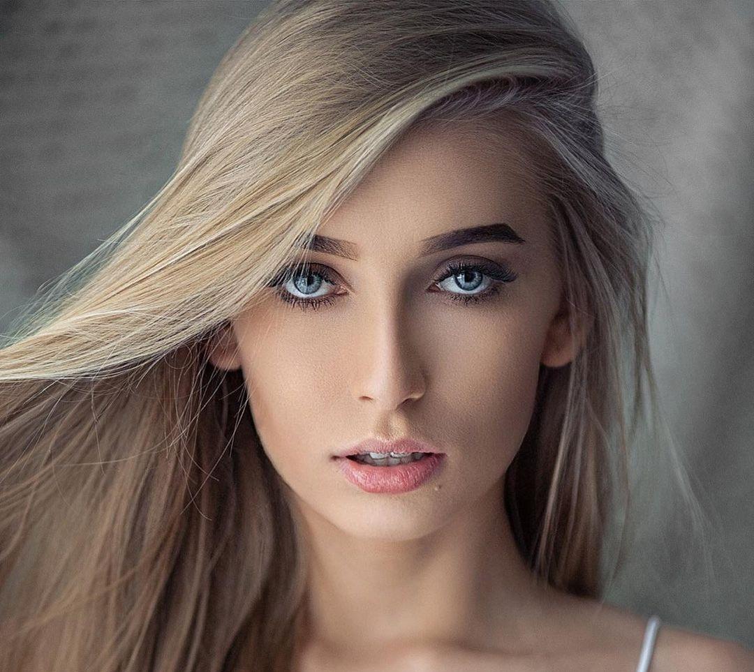 Aleksandra-Mucha-Wallpapers-Insta-Fit-Bio-4