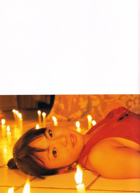 Isoyama-Sayaka-her-mavelous-youthful-days-053