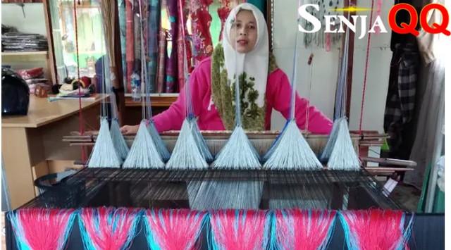 Keunikan 7 Jenis Kain Tenun Khas Indonesia yang Bikin Bangga