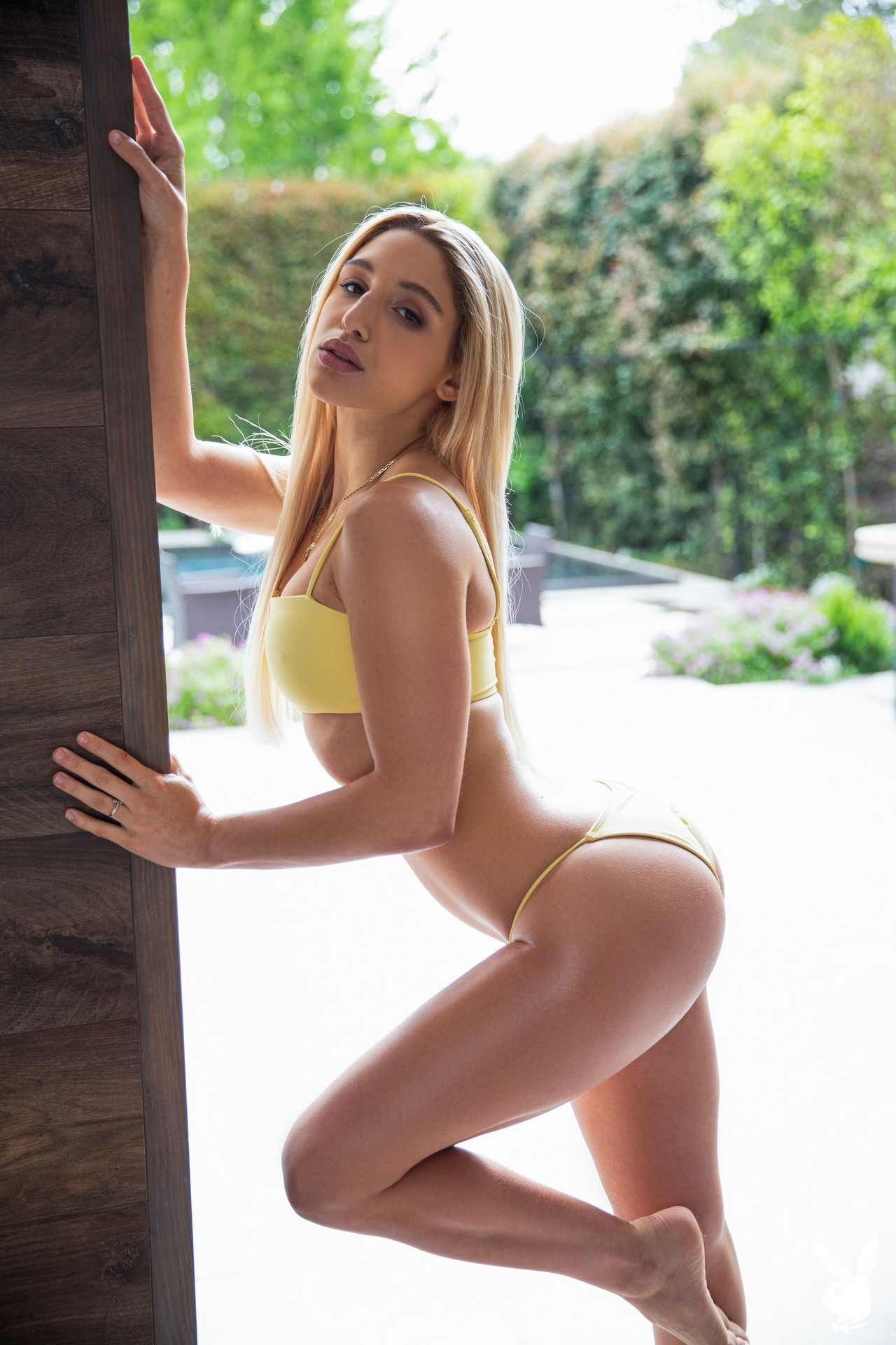 Abella Danger in Ahead of the Curve Abella01-0002