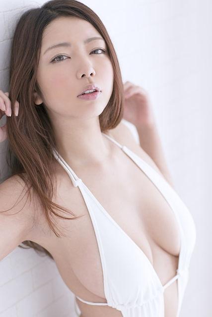 Kuroki Momoko 黒木桃子