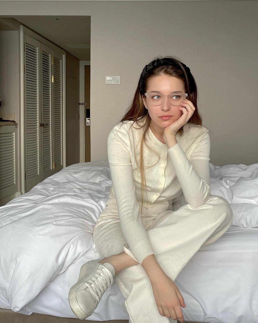 Angelina-Danilova-Wallpapers-Insta-Fit-Bio-2