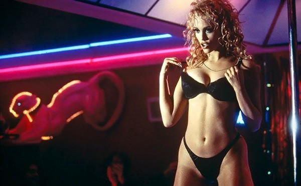 elizabeth-berkley-showgirls-1995