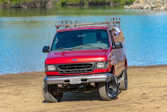 2002-Ford-E350-3
