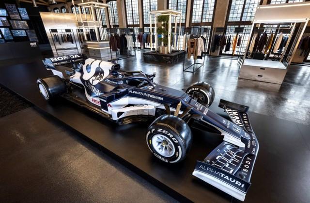 F1 2021 : La Scuderia AlphaTauri a présenté sa nouvelle Formule 1, baptisée AT02 2021-launch-gallery9-scuderia-alphatauri
