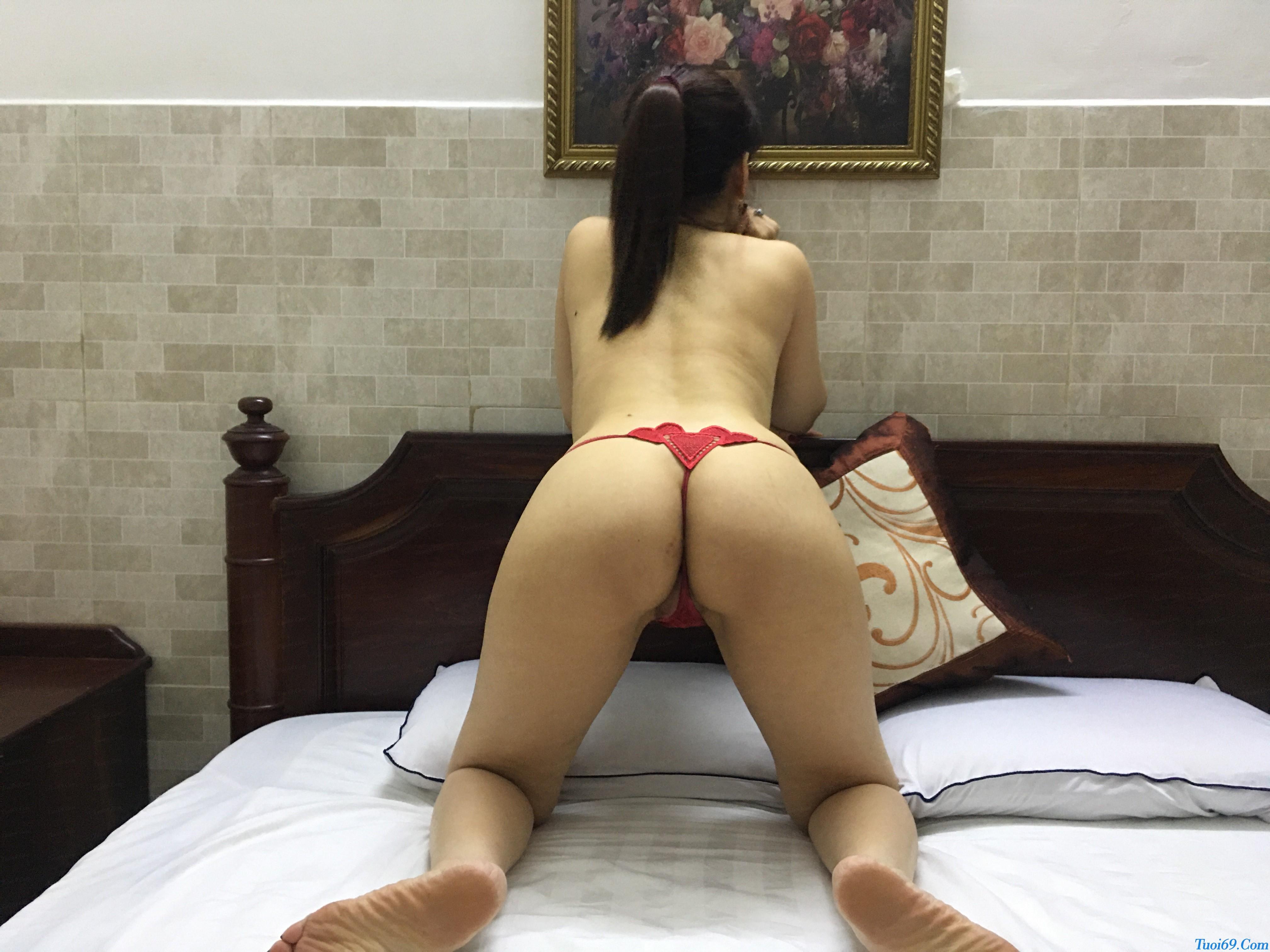 tuoi69net-review-em-gai-lan-huong-dam-nu-dang-yeu-chieu-khach-25