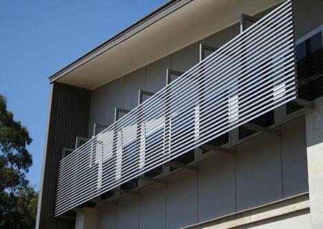 Căn nhà sử dụng gạch hoa bê tông để tránh nắng. (Ảnh: Internet)