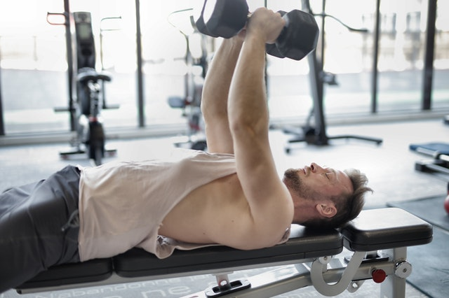 https://i.ibb.co/9Zn1q6s/get-a-wide-chest-with-dumbells-workout.jpg