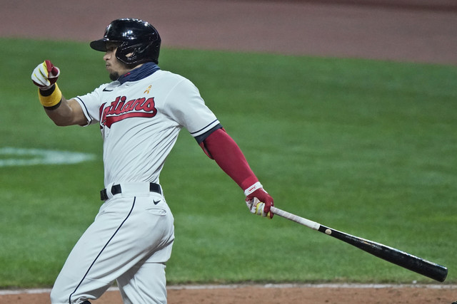 Cleveland-Indians-Cesar-Hernandez-watches-his-ball-after-hitting-an-RBI-single-in-the-ninth-inning-i