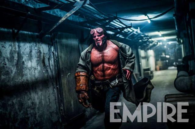 Wow...! Hellboy Reboot Ternyata Film Dewasa (18+)
