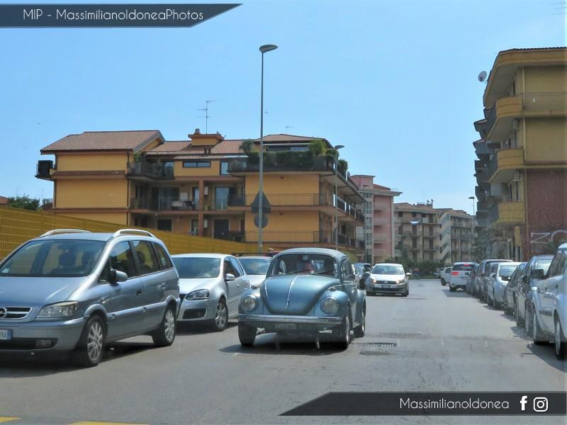 avvistamenti auto storiche - Pagina 38 Volkswagen-Maggiolone-1-3-44cv-72-CT288709