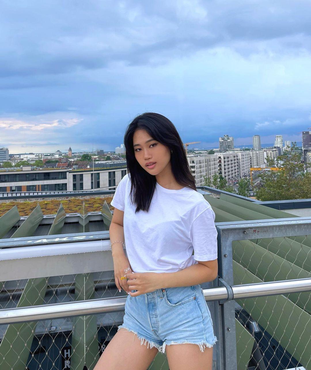 Jihoon-Kim-Wallpapers-Insta-Fit-Bio-7