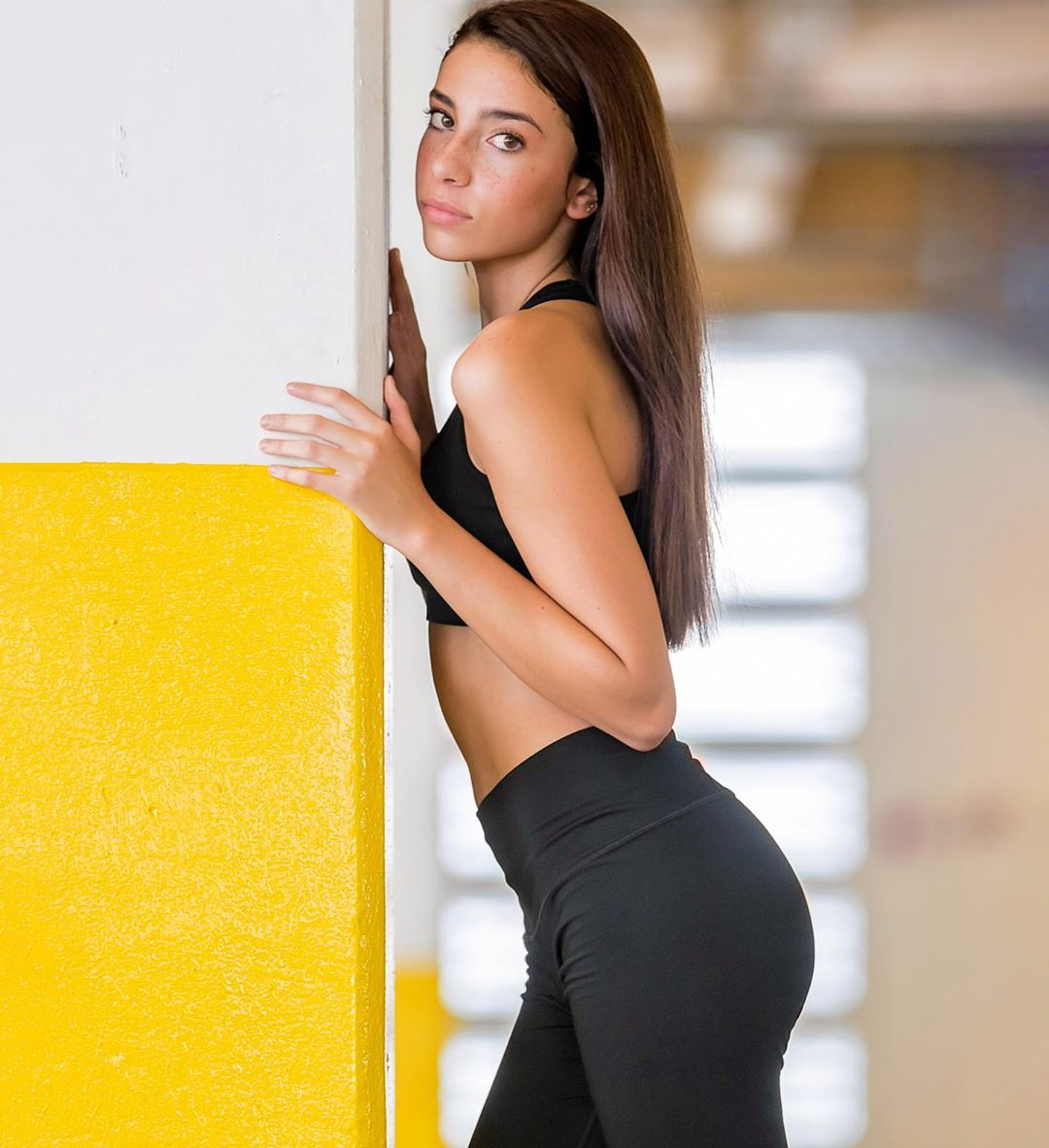 Gianna-Marie-Magliano-Wallpapers-Insta-Fit-Bio-8