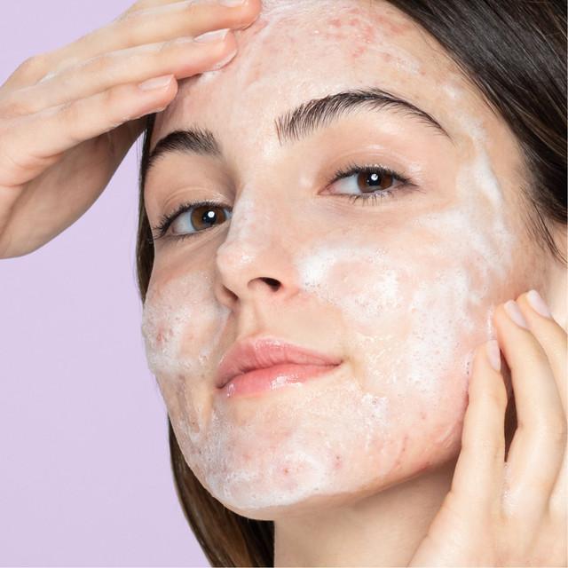 cnc-2102-advantager-acne-control-3-in-1-foaming-fash-wash-d-819-edit2x