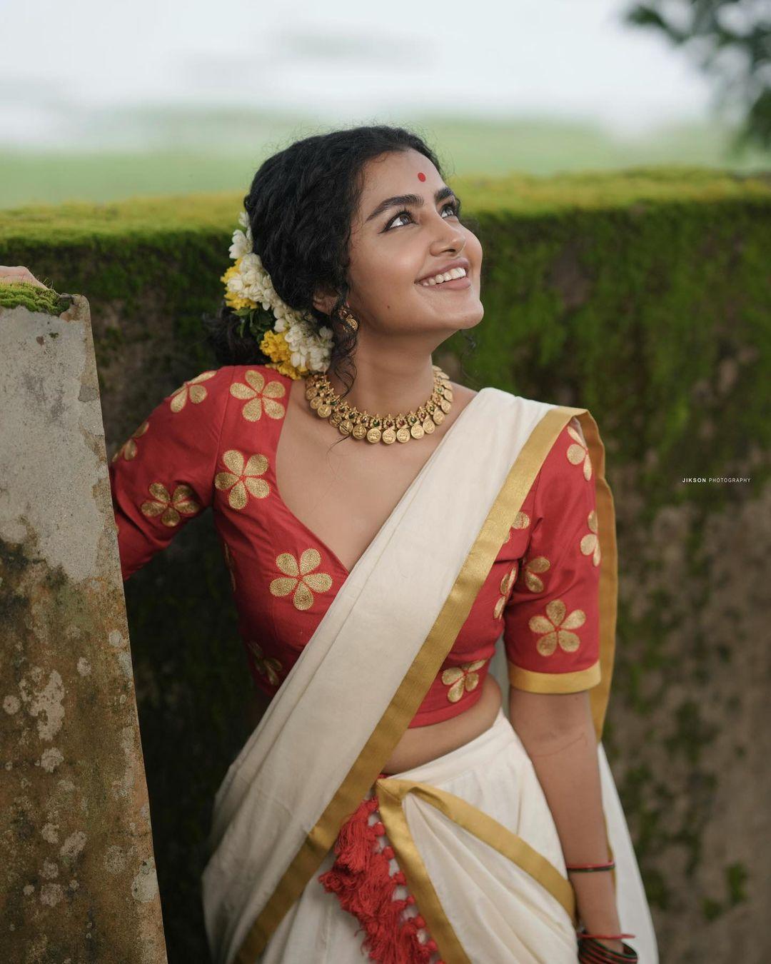 Anupama-Parameswaran-Onam-Photoshoot-4