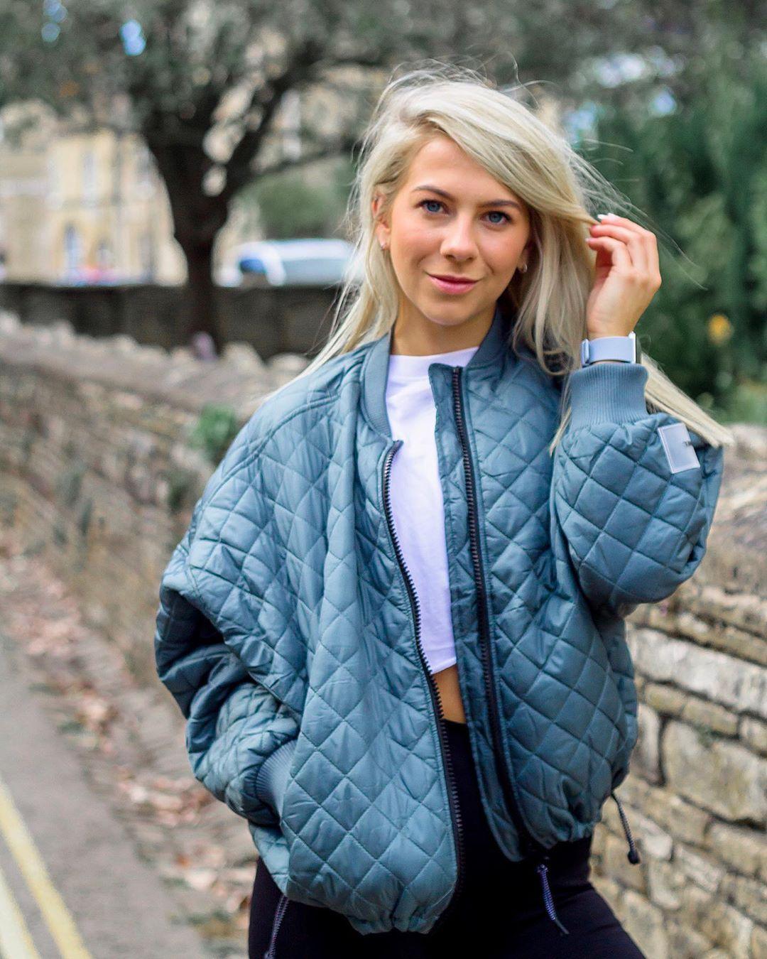 Katie-Nelson-Wallpapers-Insta-Fit-Bio-9