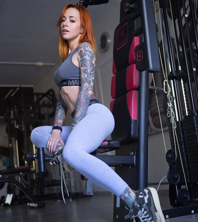 Yana-Sinner-Wallpapers-Insta-Fit-Bio-11