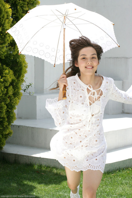 Rola Chen ローラ・チャン