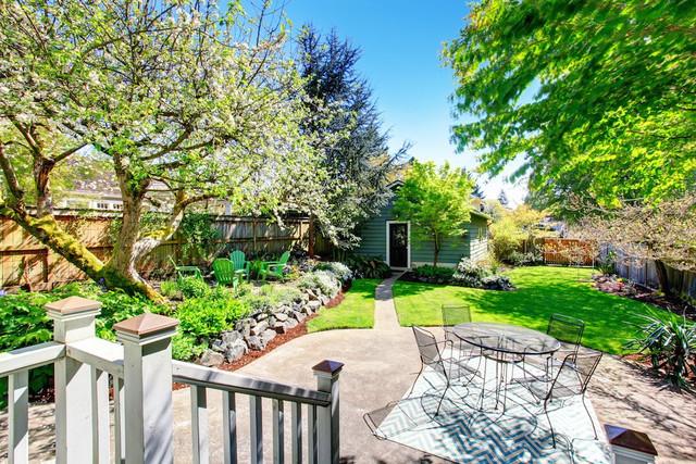 Backyard Garden Renovation Ideas With Minimalist Land