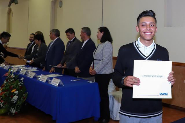 Graduacio-n-Quiroga2019-25